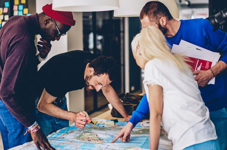 O conhecimento geográfico crítico busca soluções para problemas cotidianos.