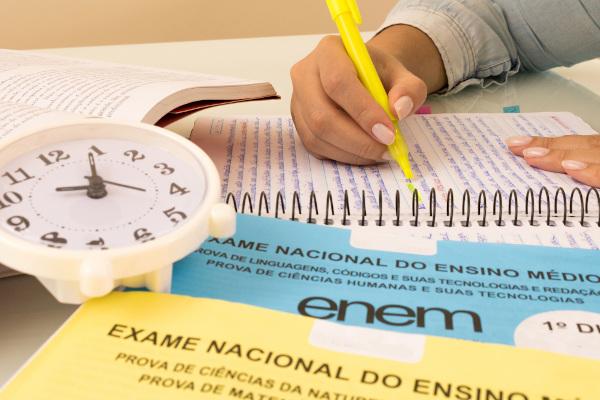 A matemática é a disciplina que possui o maior número de questões no Enem.
