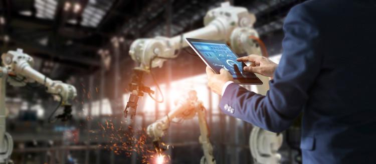 A relação entre tecnologia e indústria pode ser cobrada no exame.