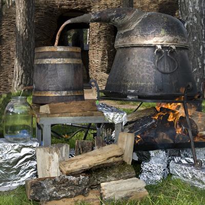 O alambique é um método rudimentar de fabricação de aguardente que usa a destilação fracionada