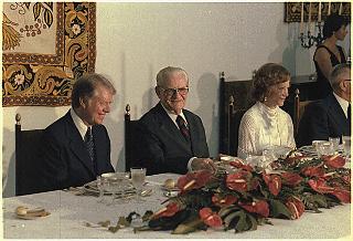 Ernesto Geisel em jantar com o então presidente dos EUA, Jimmy Carter, em 1978.*