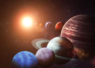 A Primeira lei de Kepler diz que a trajetória dos planetas ao redor do Sol é oval