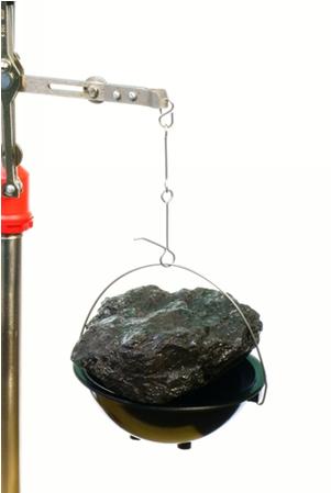 Se nesta amostra de carvão tivéssemos apenas átomos de carbono-12 e a massa fosse igual a 12g, obteríamos uma quantidade igual a 1 mol