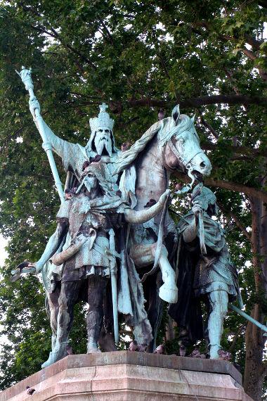 Carlos Magno foi o principal rei da linhagem dos francos e deu corpo ao Império Carolíngio