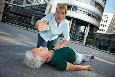 Manter a calma ao socorrer uma vítima de convulsão é essencial