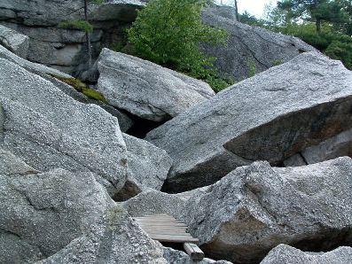 O entendimento sobre a composição das rochas é de grande importância para o homem