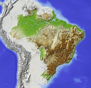 O relevo brasileiro possui baixas altitudes e muitos planaltos e depressões