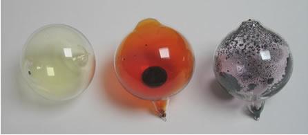 Em condições ambientes, o flúor é um gás amarelo, o bromo é um líquido vermelho e o iodo é um sólido violeta*