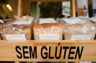 Aviso informando que alimento não contém glúten