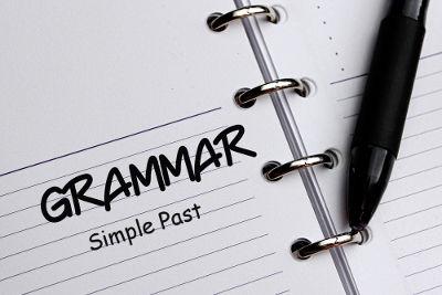 """Usa-se o """"Simple Past"""" em sentenças que remetem a algum fato do passado"""