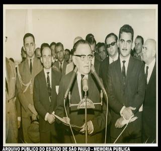 Humberto Castello Branco discursando em Mato Grosso, em 1966.*