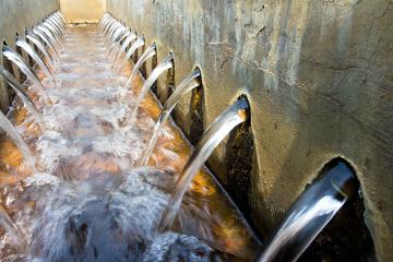 O tratamento de esgoto é um dos serviços incluídos no saneamento básico