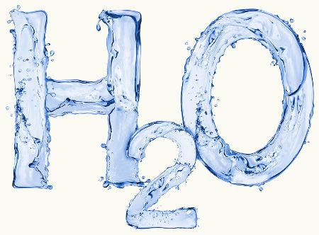 A água é o produto formado em toda reação de oxidação com alcoóis