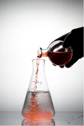 Nem sempre todos os reagentes de uma reação são completamente consumidos, pois algum pode estar em excesso e fora da proporção estequiométrica
