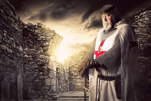 As ordens de cavalaria, como a dos templários, formaram-se após a Primeira Cruzada