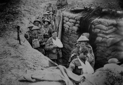 Houve uma trégua entre combatentes da Primeira Guerra no Natal de 1914, nas imediações da cidade de Ypres