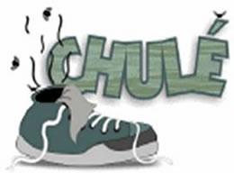 O chulé é provocado pelo excesso de suor nos pés.