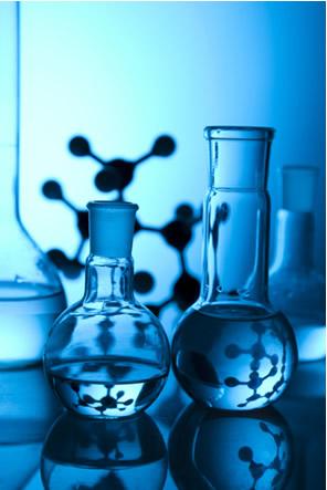 A tautomeria sempre ocorre em equilíbrios dinâmicos na fase líquida