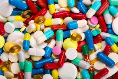 Os coquetéis antiaids são uma combinação de medicamentos