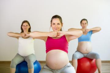 Exercícios físicos durante a gravidez relacionam-se com a melhora da saúde da mãe e do bebê