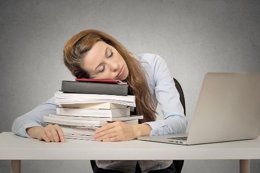 Por que será que sentimos aquele sono depois das refeições?