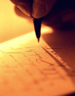 O paralelismo sintático e o paralelismo semântico se encontram relacionados aos requisitos conferidos à modalidade escrita da linguagem