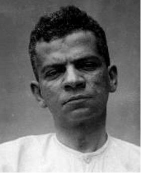 Lima Barreto nasceu no Rio de Janeiro, em 13 de maio de 1881. Faleceu no dia 1º de novembro de 1922, aos 41 anos