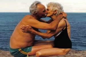 A sexualidade na velhice é igualmente importante em relação às outras fases da vida.