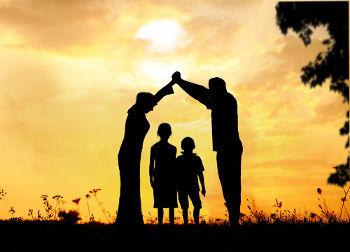 Toda criança tem direito à proteção e afeição de uma família