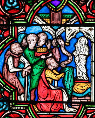 Vitral em uma Igreja francesa retrata Carlos, o Calvo *, um dos maiores responsáveis por formar defesas contra os normandos