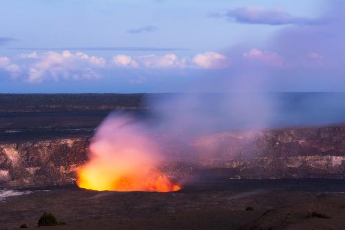 Localizado na grande ilha do Havaí, o Kilauea está em atividade há várias décadas